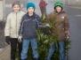 2014-01-18 Jungschar Rabenscheid sammelt Weihnachtsbaeume ein